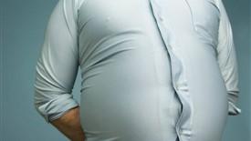 چگونه میتوان همزمان از نفخ شکم و چربی دور شکمی کاست؟