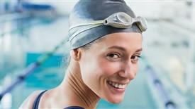 چرا شنا کردن برای شما بسیار مفید است؟